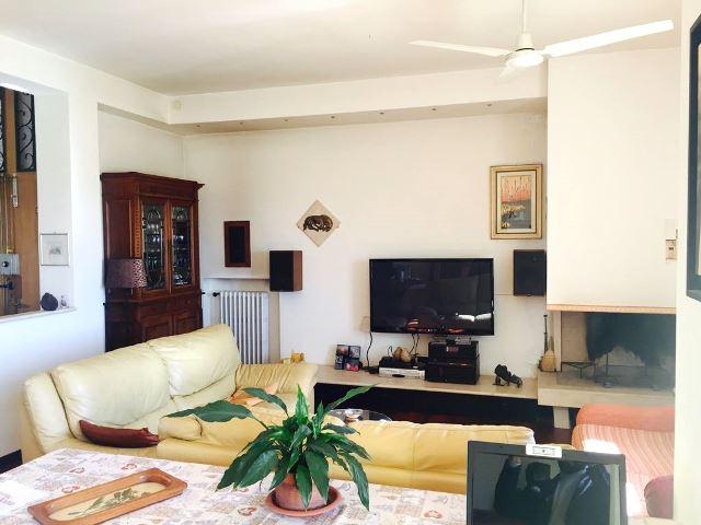Foligno zona via n sauro appartamento con tre camere for Agenzia immobiliare foligno