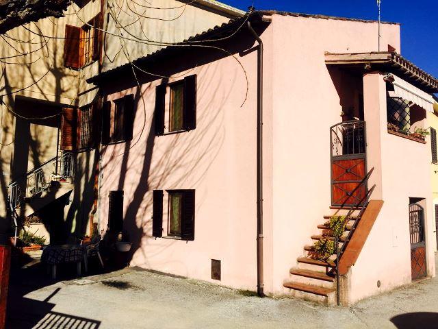 Foligno – Sterpete: Cielo-terra Ristrutturato con Ingresso Indipendente