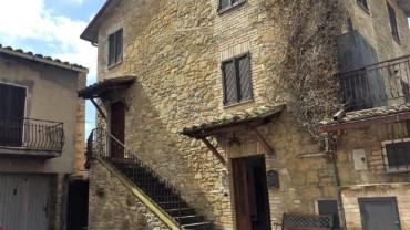 PETRIGNANO- Casa semindipendente nel centro storico