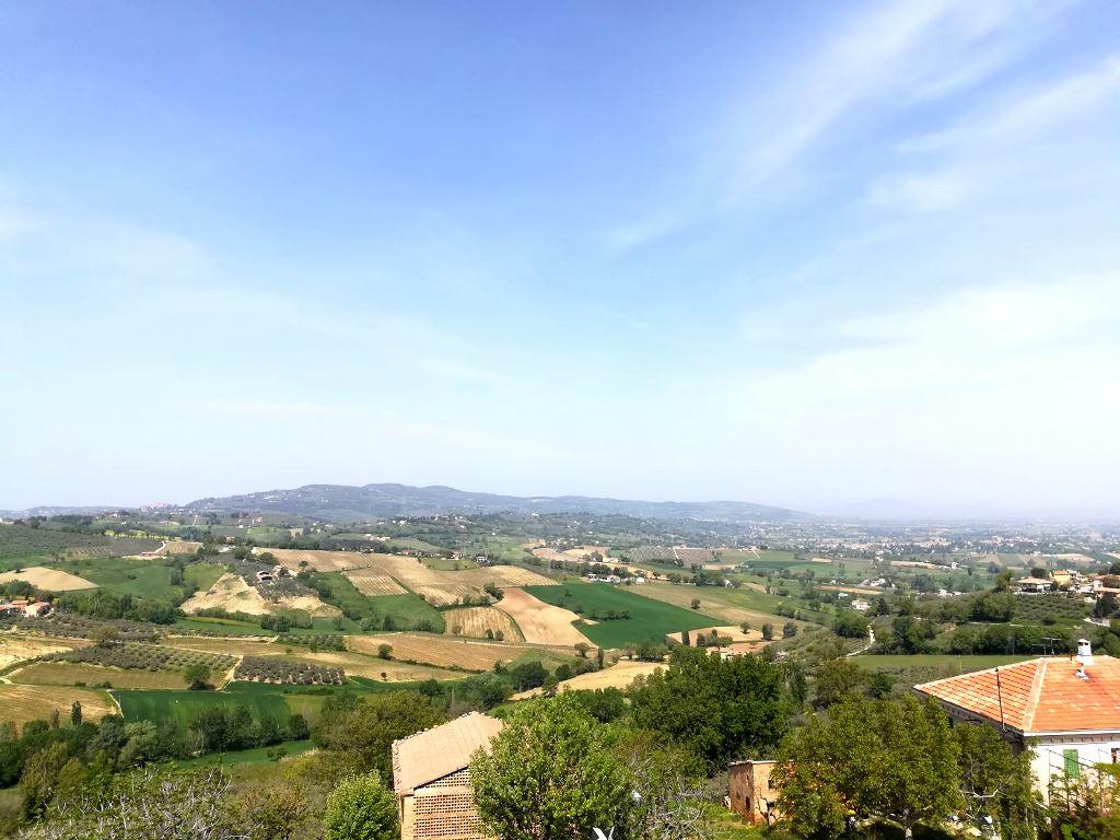 Montefalco: Villa Singola in Stile Liberty
