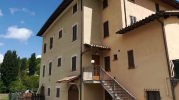 Foligno – Loc. Scopoli: Appartamento su Casolare