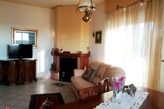 Foligno – Adiacenze V.le Roma: Casa Indipendente