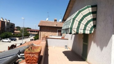 Foligno – Zona San Magno: Casa Indipendente con Due Unità Abitative e Giardino