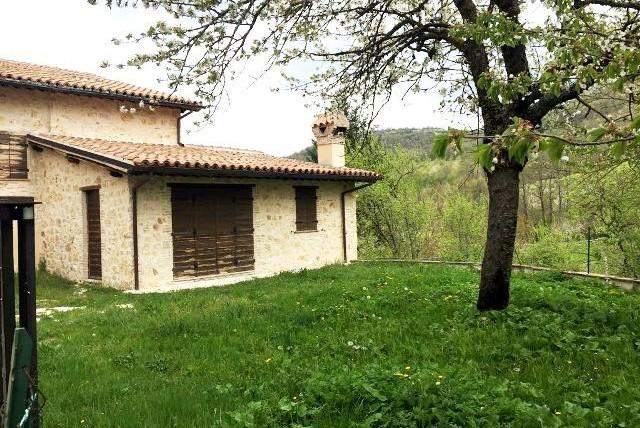 Foligno – Loc. Verchiano: Casa Semindipendente