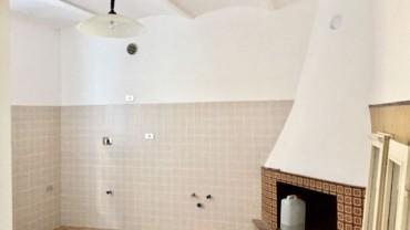 Foligno – Viale Firenze: Appartamento al Piano Terra senza Condominio