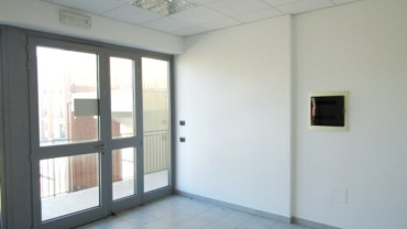 Foligno – Zona Paciana: Locale Commerciale Uso Ufficio