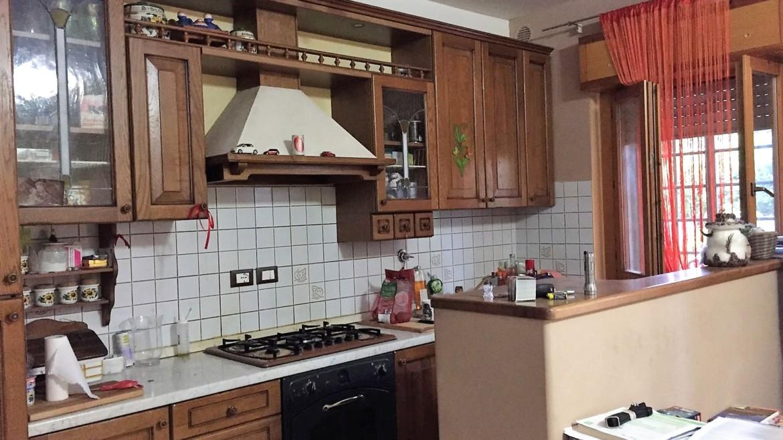 OSPEDALICCHIO- Appartamento piano terra con lastricato esterno