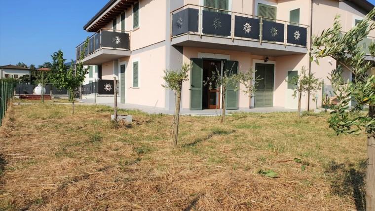 CASTELNUOVO- Appartamento piano terra su quadrifamiliare