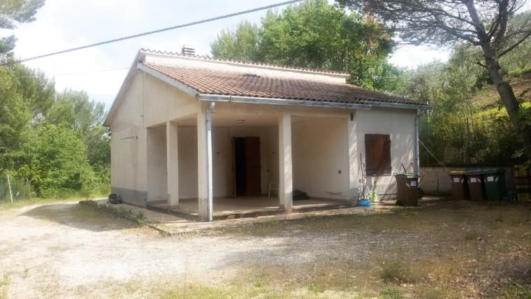 COLLEMANCIO- Casa singola con terreno circostante di 3000 mq