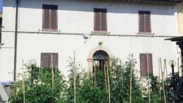 Foligno-Adiacenze Viale Firenze: Casa semindipendente con giardino