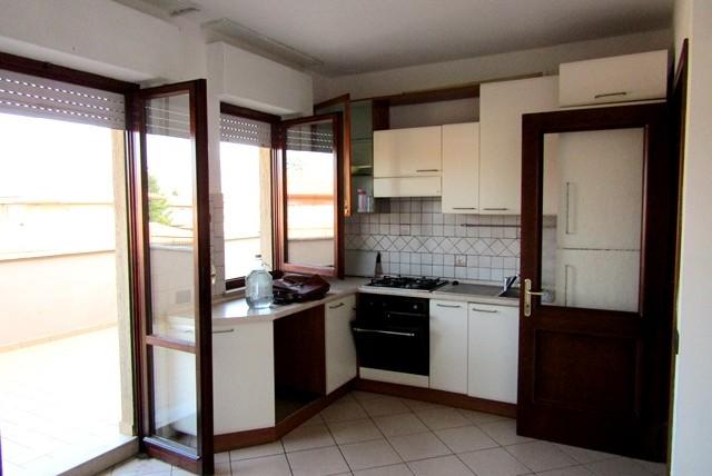 Foligno – Via R. Sanzio: Appartamento con Tre Camere