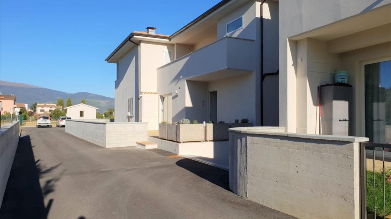 CANNARA: Appartamento piano terra in classe energetica B