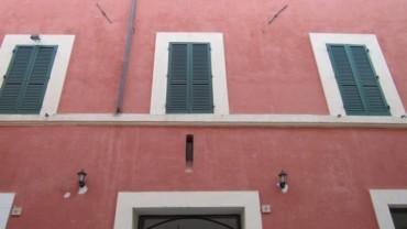 Affitto Stabile / Palazzo – 8 Locali