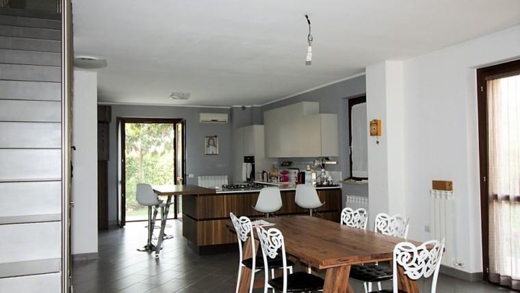 PETRIGNANO- Villa capotesta a pochi km da Assisi
