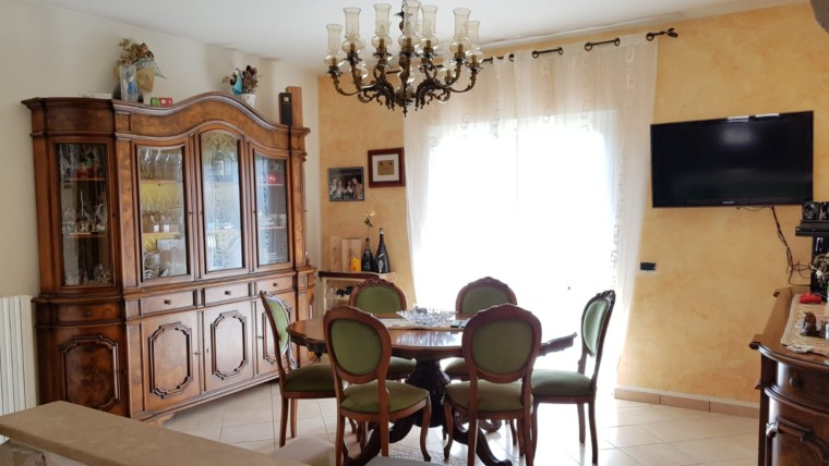 Appartamento indipendente di 100 mq su casa bifamiliare con 100 mq di giardino