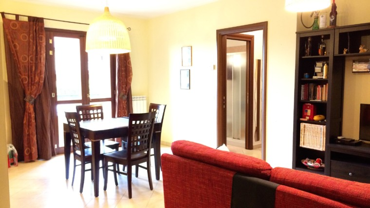COLLESTRADA- Appartamento su piccola palazzina
