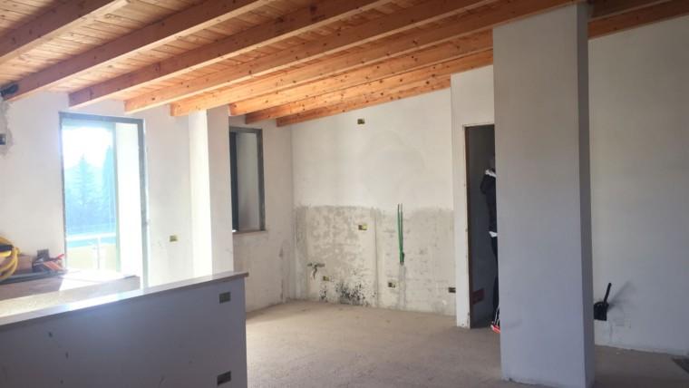CASTELNUOVO- Appartamento su quadrifamiliare