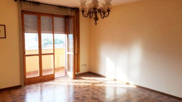 Foligno, Vicinanze Viale Ancona: Appartamento di 110 mq con garage