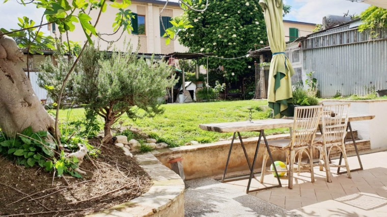 Casa indipendente con giardino vicinanze centro storico