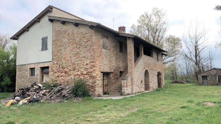 TORDANDREA-Tipico casale in pietra dei primi 900 ristrutturato