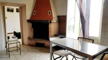 Appartamento su casa bifamiliare con ingresso indipendente