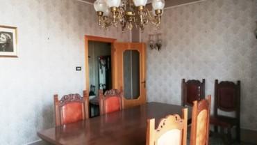 Appartamento con tre camere di c.a. 120 mq