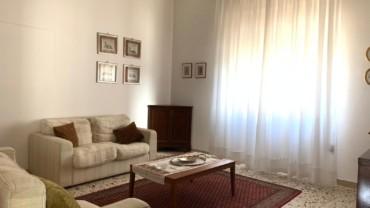 PETRIGNANO- Casa singola con giardino privato e due garage