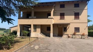 PASSAGGIO DI BETTONA- Casa bi/trifamiliare