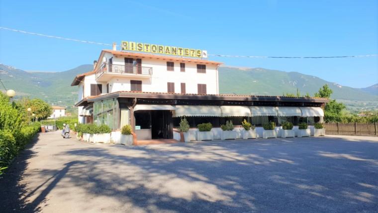 RIVOTORTO- Albergo/ristorante rinomato nel Comune di Assisi