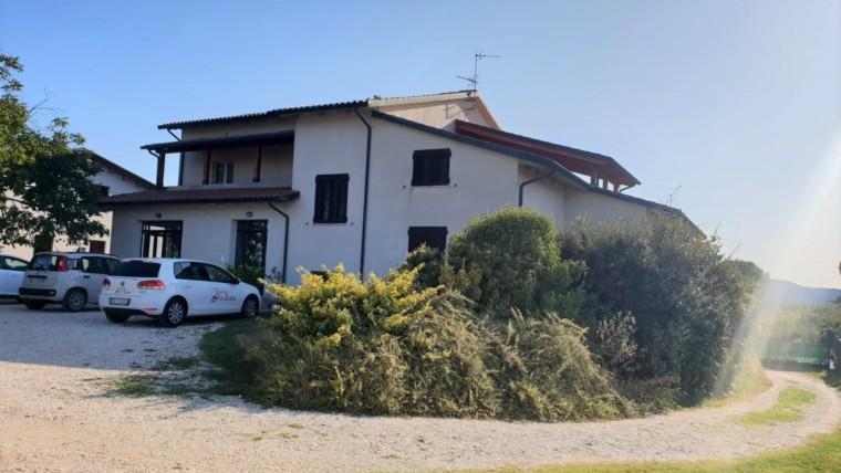 Passaggio di Bettona- Villa singola con piscina