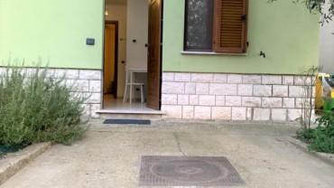 PETRIGNANO- Bilocale al piano terra con ingresso indipendente