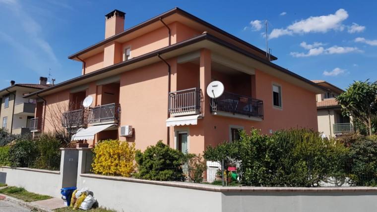 Agenzia di foligno immobiliare via roma for Immobiliare foligno