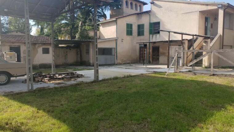 PORZIONE DI CASA INDIPENDENTE CON CORTE DI CIRCA 300 MQ